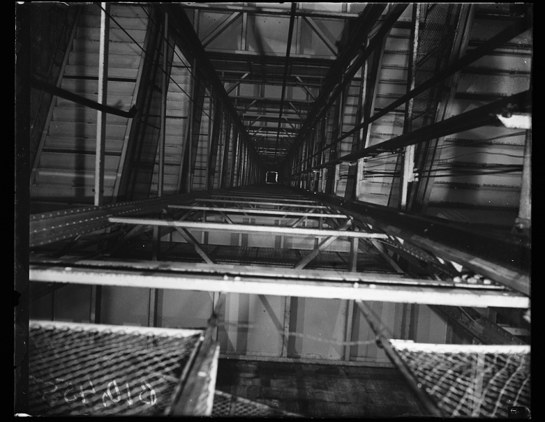 ElevatorShaft_Harris&Ewing_photographer