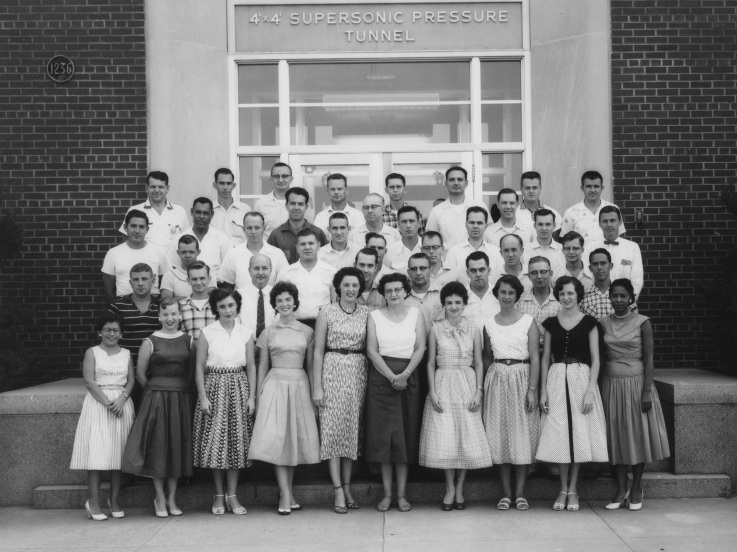 NASA_human_computers_-_Mary_Jackson_on_far_right_-_Pressure_Tunnel_staff_taken_in_1950s